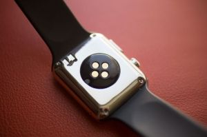 Fake 'Apple Watch Prototype' Sells For Hundreds on eBay - Knockoff Report™ #557