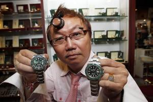 Knockoff Report™ #569 BABA, Bikes, Shoes and the Pope - Counterfeit Watches Clocking up Sales Online